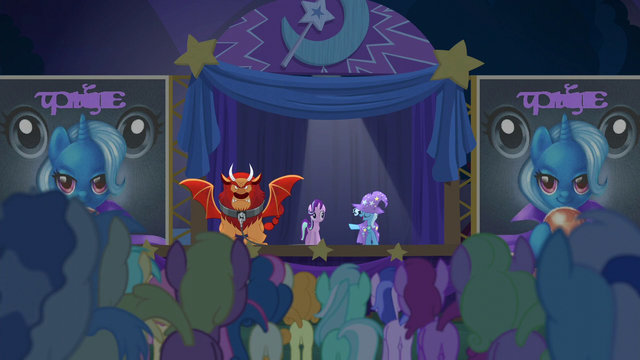 File:Trixie presents her great and powerful assistant S6E6.png