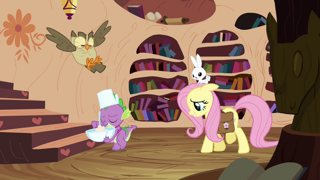 File:Fluttershy walking with Spike S3E11.png