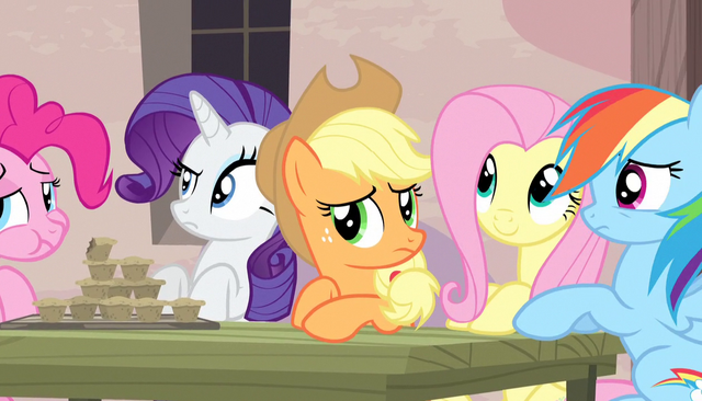 File:Twilight's friends listen to Sugar Belle S5E1.png