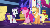 Pinkie Pie squees with pride S5E3