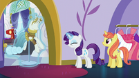 Rarity putting Fountain of Truth dress away S5E14