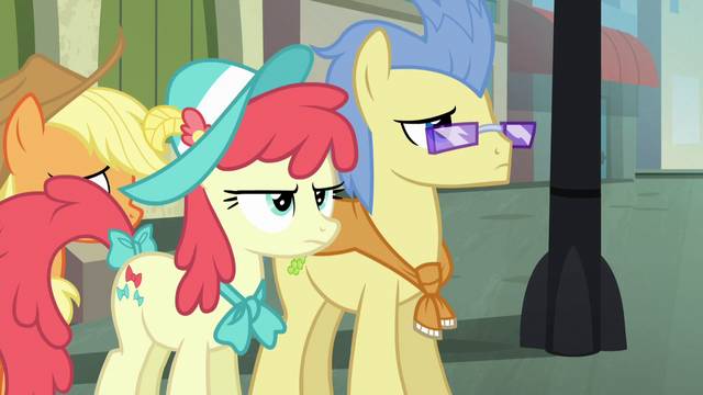 File:Manehattan ponies at a crosswalk S5E16.png