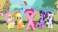 """Pinkie """"it's party time!"""" S5E11"""