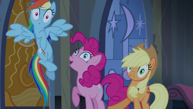 File:Pinkie Pie pops in the middle S4E03.png