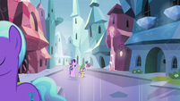 Starlight and Spike walking together S6E1