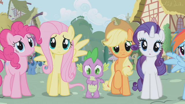 File:Fluttershy looking at twilight S01E02.png