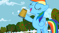 Rainbow Dash drink S02E15
