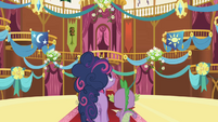 Twilight admiring hall decorations S1E01