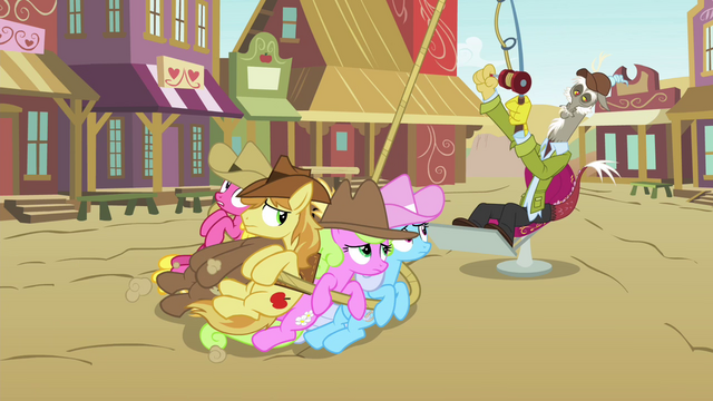 File:Discord reels in Earth ponies S4E25.png