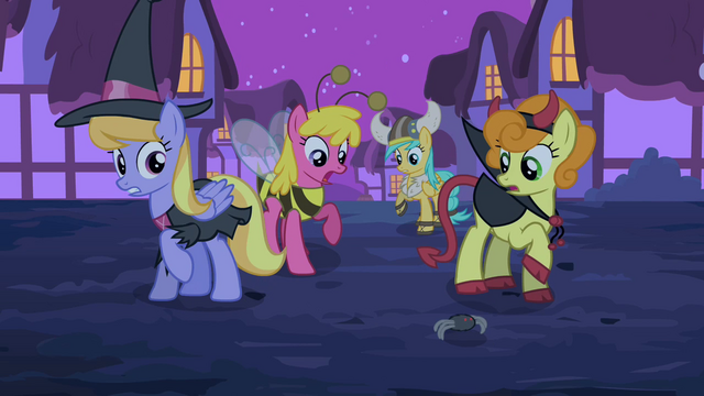File:Ponies scared by the toy spider S2E04.png