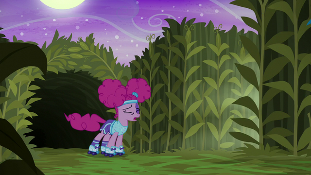 File:Pinkie Pie running in disgust S5E21.png