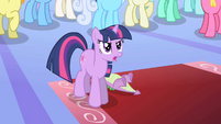 Twilight identifies Night Mare Moon S1E1