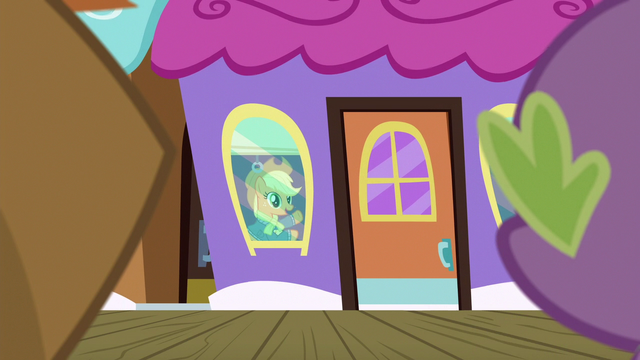 File:Applejack waves goodbye to Spike and Big Mac S6E17.png