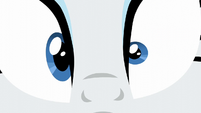 Close-up of Rarity's eye twitch S6E3