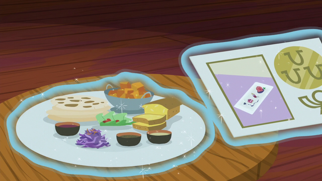 File:Tray of The Tasty Treat's exotic food S6E12.png