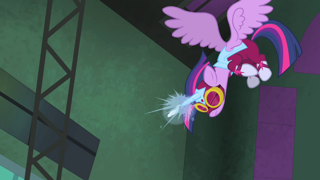 File:Twilight firing freeze ray S4E06.png