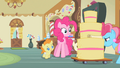 Pinkie Pie eyes cake S2E13.png