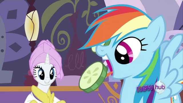 File:Rainbow Dash eating S2E23.png