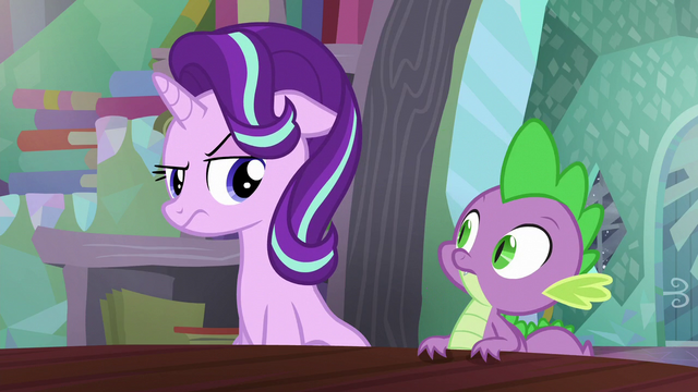 File:Starlight looking at Spike unamused S6E2.png