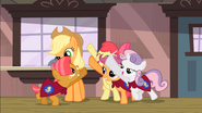CMC about to touch hooves S3E04