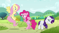 """Pinkie Pie """"Fashion is her passion"""" S2E19"""