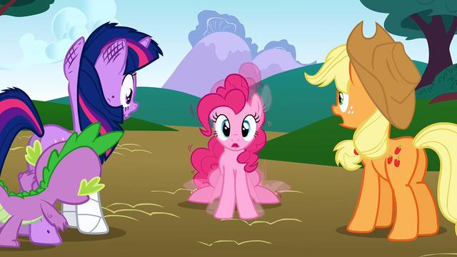 File:Pinkie vibrating S01E15.png