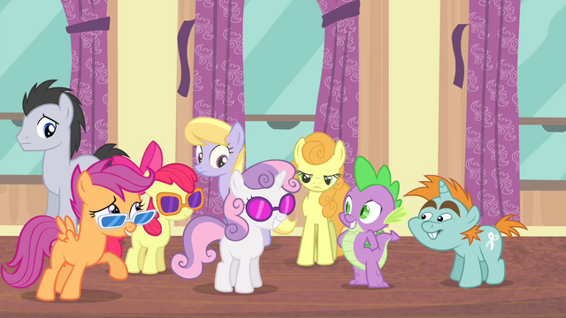 File:Spike and Snips sees CMC S4E19.png