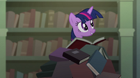 Twilight on a pile of books S04E03