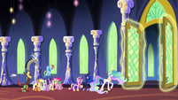 Celestia opening the throne room doors S4E26