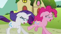 Pinkie Pie Rarity crying running S02E19