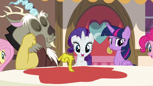 File:Discord magically turns the tablecloth red S5E22.png