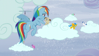 Rainbow sees ponies making the clouds snow S5E5