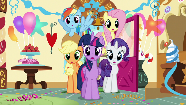File:Twilight and company enter Sugarcube Corner S5E19.png