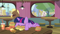 Twilight eating messy S4E15.png