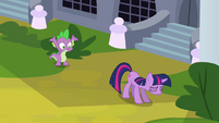 Twilight stops walking S3E01