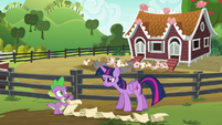 """Spike """"step one, open the gate"""" S6E10"""