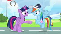 "Twilight Sparkle ""not focused on her own flying"" S6E24"