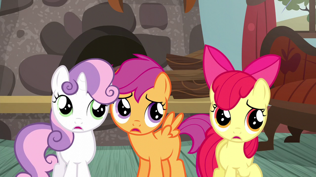 File:CMC listening to Applejack S5E6.png