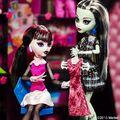 Diorama - Draculaura and Frankie.jpg