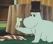 Moominpappa and Little Moominmamma
