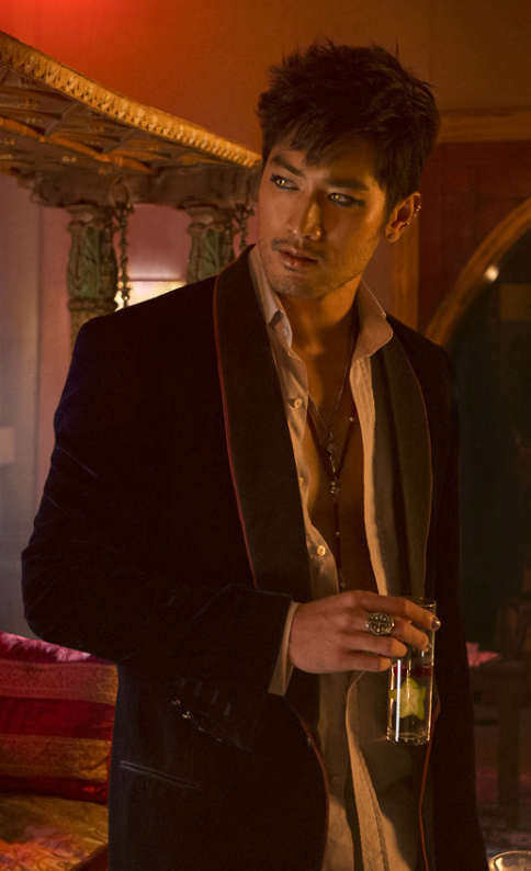 http://vignette1.wikia.nocookie.net/mortalinstruments/images/c/c8/Photo_Magnus.jpg/revision/latest?cb=20150519190216