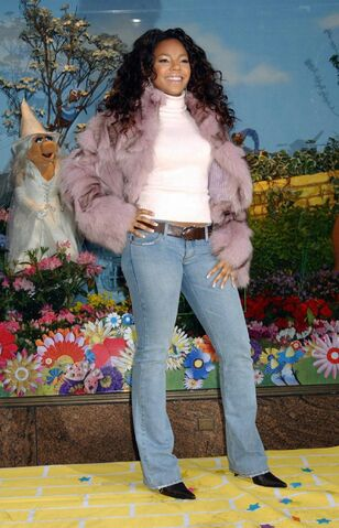 File:Ashanti-macys-for-spring-window-unveiling-13-1250.jpg