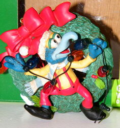 Midwest gonzo wreath ornament