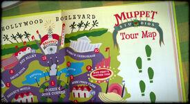 TheMuppets-(2011)-MuppetStudiosOfficialGuide02