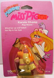 Tomy 1983 miss piggy karate champ wind-up pop overs 1