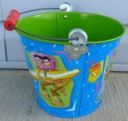 Schylling tin pail 1