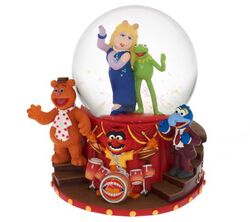 Qvc disney waterglobe 1