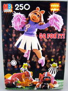 Milton bradley 1982 puzzle piggy cheerleader