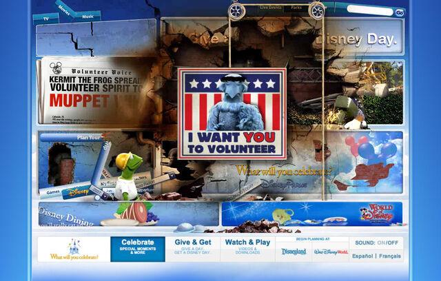 File:Disneyparksgive.com-14.jpg