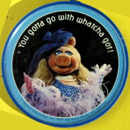 Hallmark 1978 piggy keychain